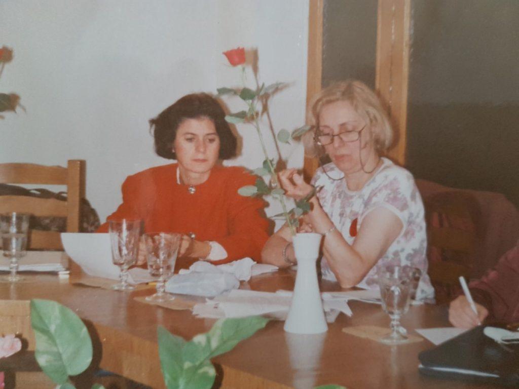 Mariuca Ivan alaturi de marea doamna a nursingului romanesc, Gabriela Bocec - cea alaturi de care s-au pus bazele nursingului romanesc, ale Institutului National de Nursing si Scolii de Nursing Romanesti